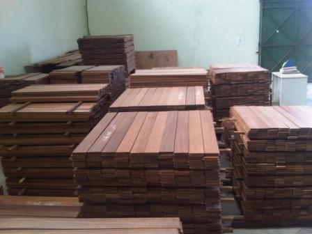 Harga kayu merbau