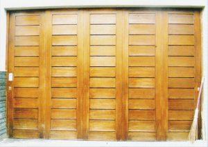 Pintu garasi kayu kp323